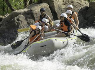 whitewater rafting through pipeline rapid - class IV