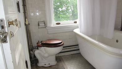 Original bathroom at Rockcliffe Mansion Hannibal Missouri