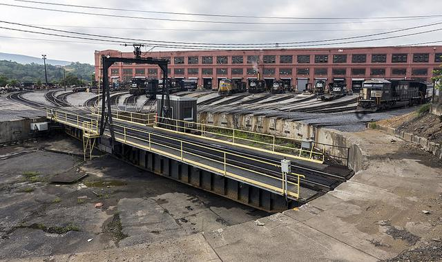 The turntable at the Norfolk Southern Altoona Works in 2014.