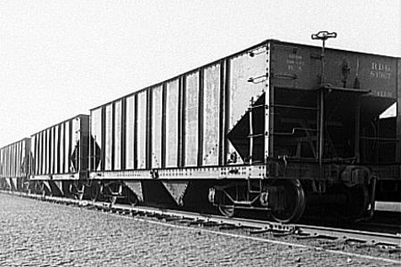 Two-bay hopper cars of the Reading Railroad.