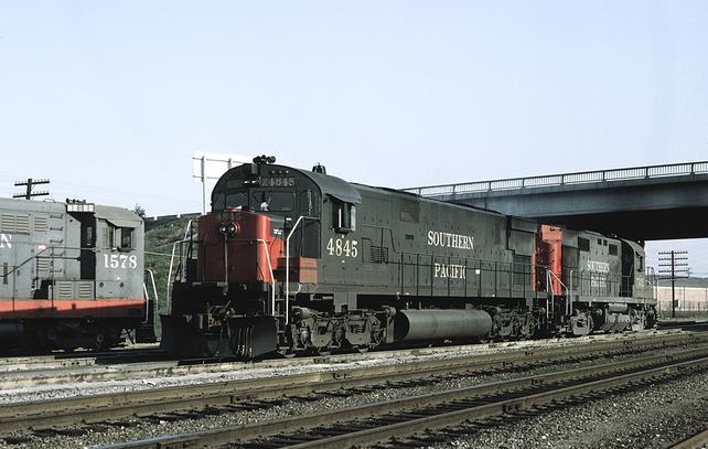 Southern Pacific ALCO's C628 No. 4845 and RS32 No. 7302.