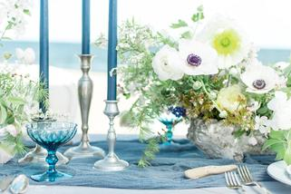 Sarah Surette Photography, spring wedding, spring table setting, blue wedding, spring centerpiece, blue candle wedding, Maine wedding, Maine wedding florist