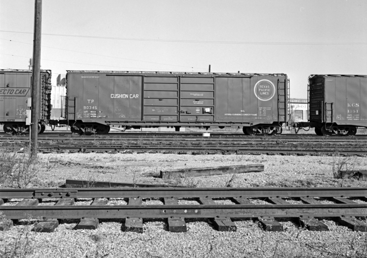 Texas and Pacific, Hydra-Cushion Box Car No. 90345.