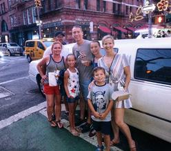 10 passenger white Stretch Limo sightseeing in NY