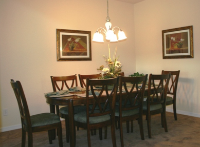 TranquilityFlorida Wheelchair Accessible Dining room