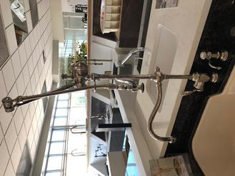 https://waterstoneco.com/gantry-pulldown-faucet-4400/