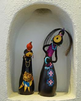 The Natural Accents Gallery of Taos exhibiting the works of Mixed Media Artist Patricia Black