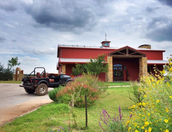 5F Ranch Deer Hunting Lodge
