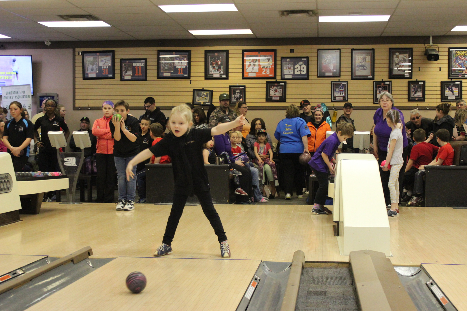 Fort Lanes - Bowling, Leagues, Bowling Alley