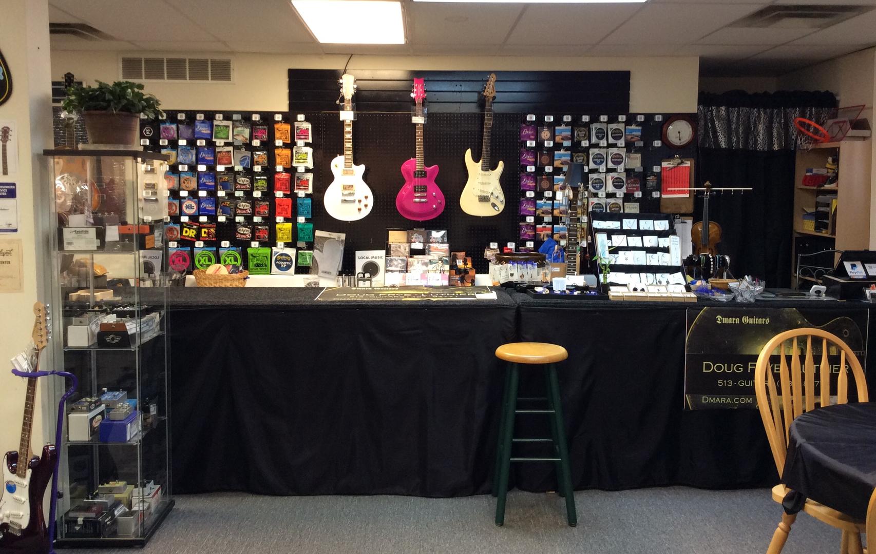 Dmara Guitars Doug Frye