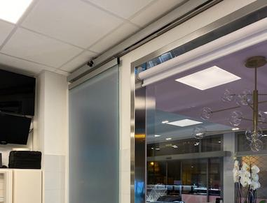 Touchless automatic sliding door