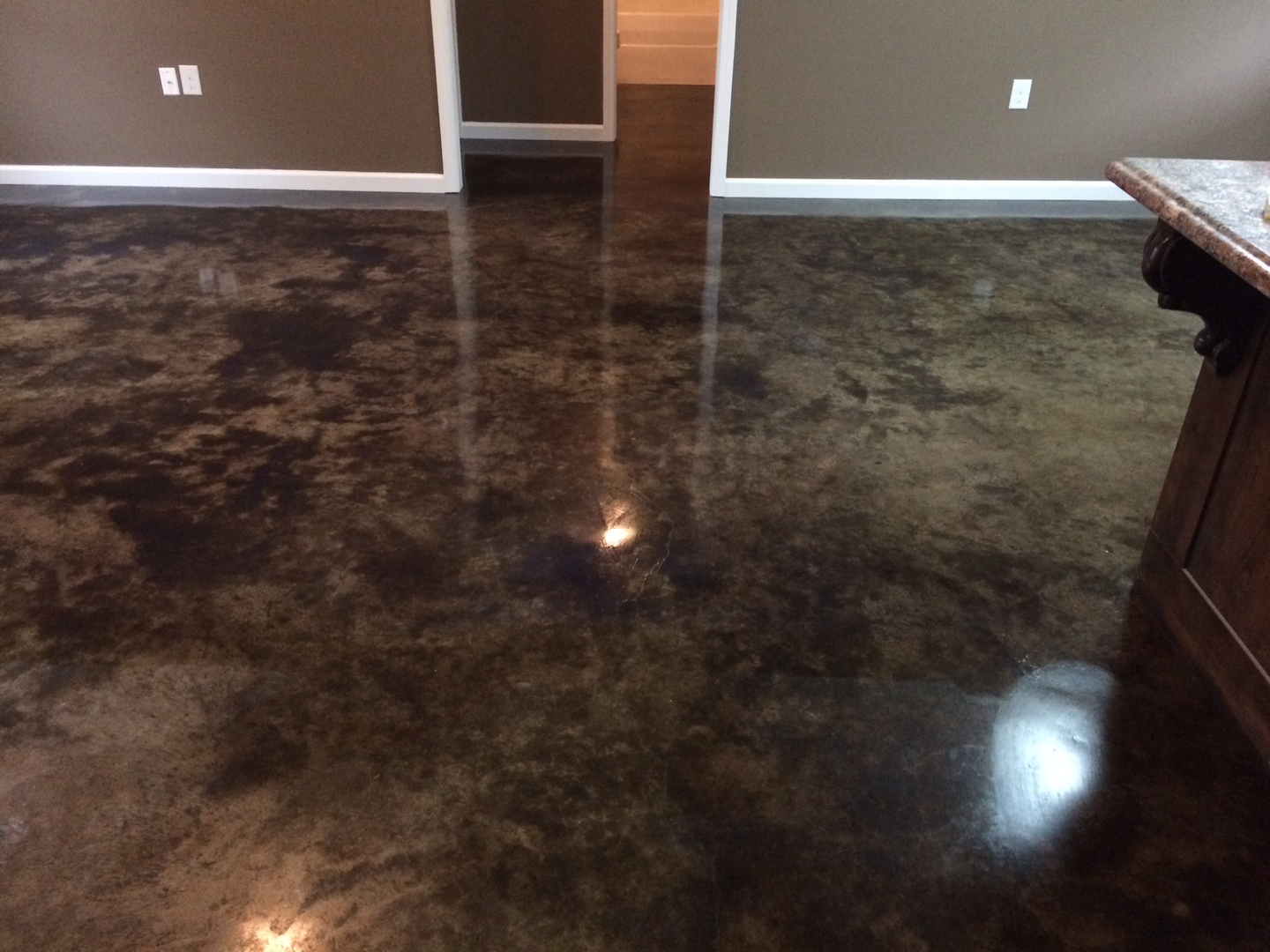 Photos of acid stained concrete floors thefloors co for Acid wash concrete floors