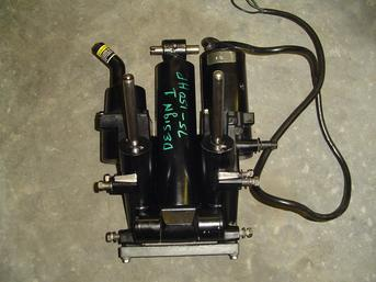99186T Used power trim system for a 75 hp to a 150 hp Mercury outboard motor Design 1 3 ram OEM 99186T