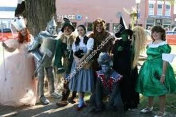 Chicago's The Wizard of Oz characters are available for your next event! Hire the Scarecrow, Tin Man, Cowardly Lion, Glinda the Good Witch, the Wicked Witch of The West