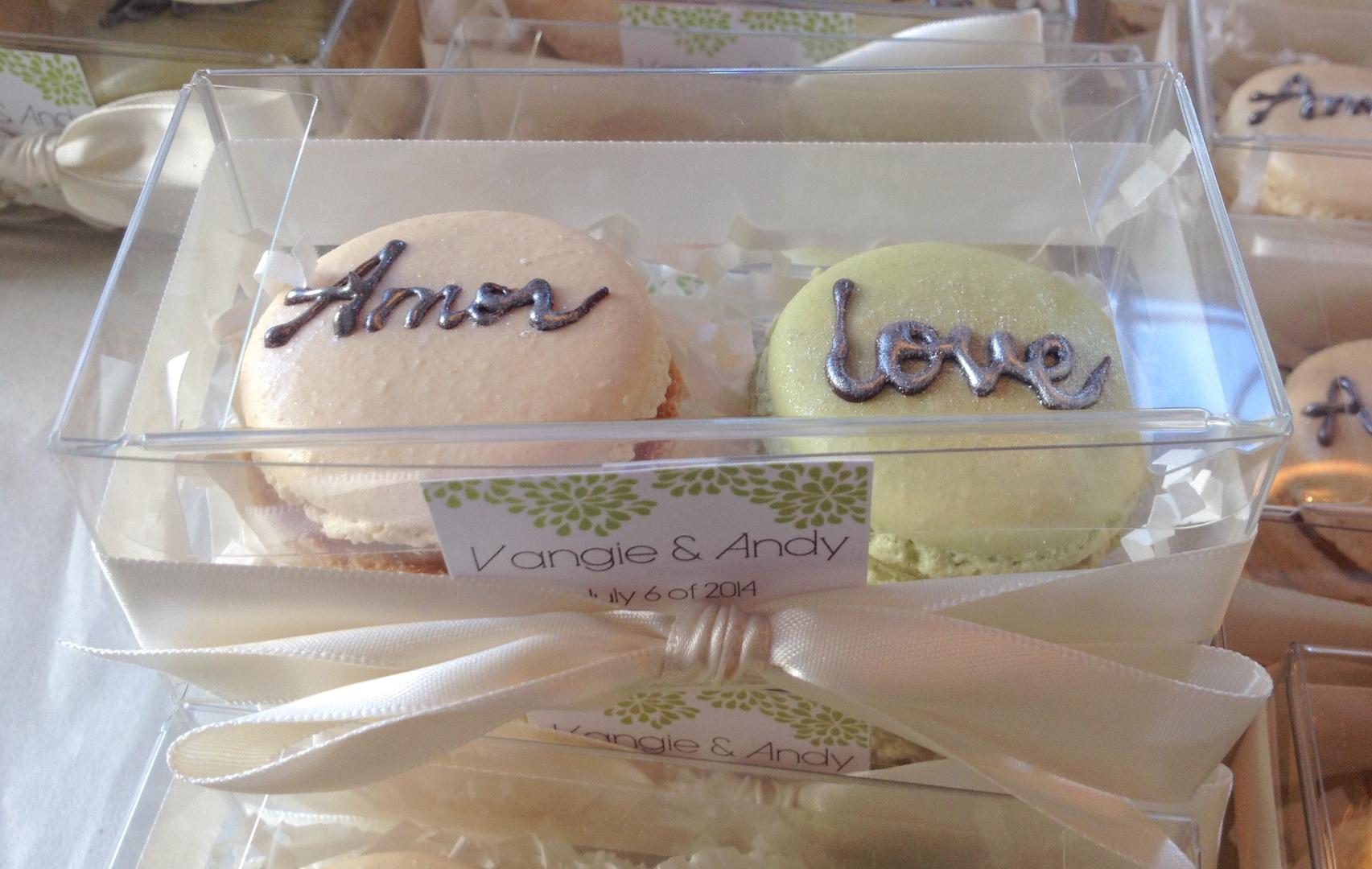 La Reine Des Macarons Macarons Wedding Caterer Wedding Favors