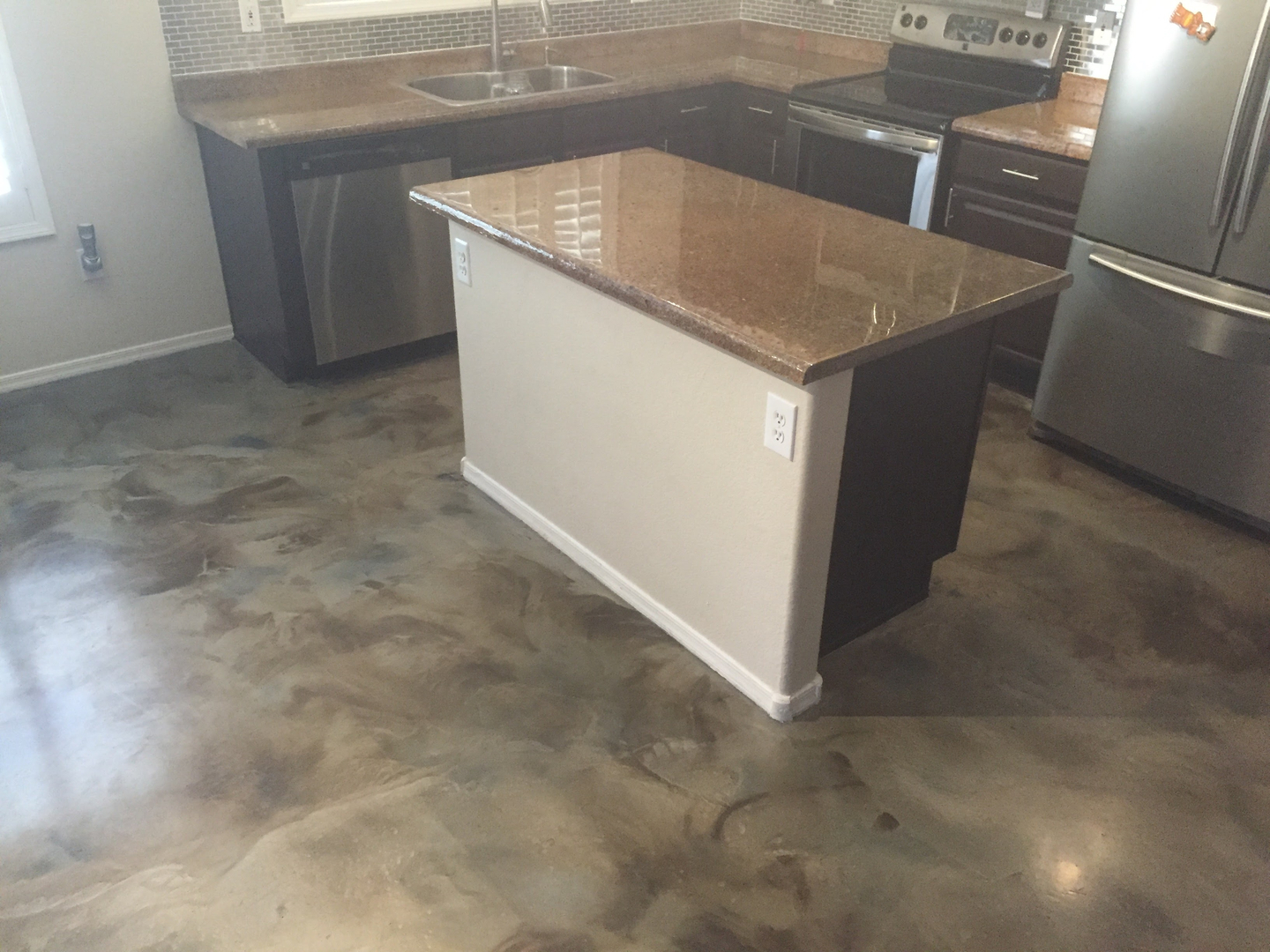 Stained concrete interior floors for Stained concrete inside house