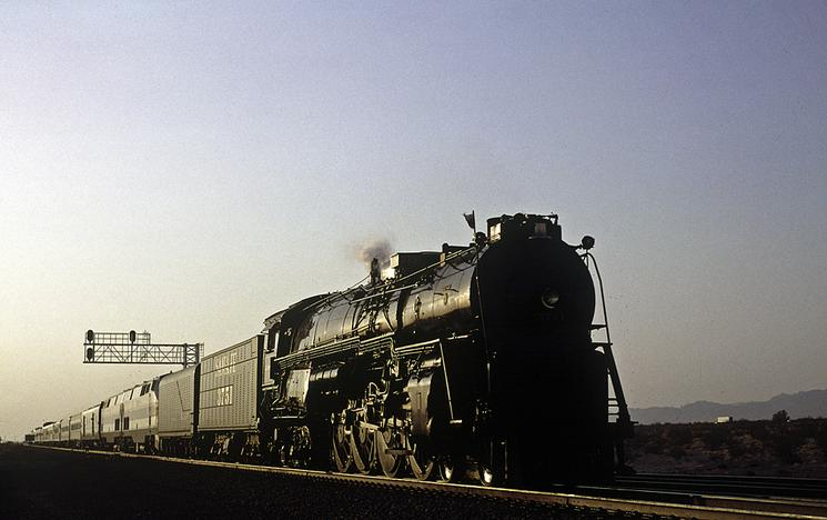 AT&SF No. 3715 on the way East, August 2, 2002 between Ludlow and Klondike, California, heading to Williams. Photo by Drew Jacksich.