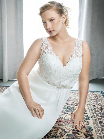 Plus Size Brides Giggis Bridal And Mr Gs Tuxedos