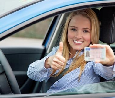 teen-driver-getting-her-drivers-license