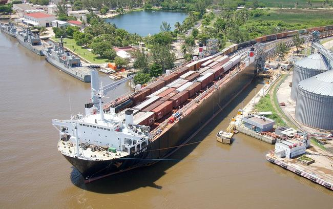 The MV Bali Sea rail ferry loads up with Ferrosur trains in Coatzacoalcos, Veracruz, Mexico, and will soon head for Mobile, Alabama.