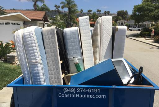 mattress-removal-coastal-hauling