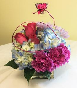 Roses, Carnations, Daisies, and Hydrangea