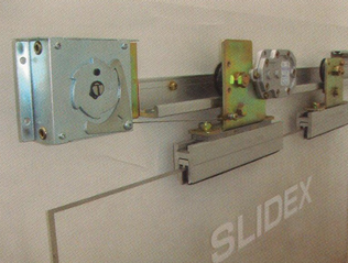 Semi automatic sliding door mechanism