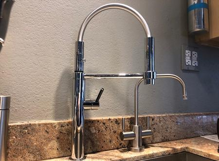 https://www.franke.com/us/en/ks/products/kitchen-faucets/pescara/pescara%20rear-docking%20faucet_detail.html