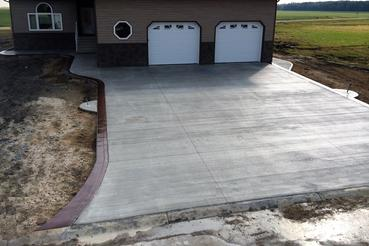Winnipeg Concrete - Driveways - Clean Cut Concrete