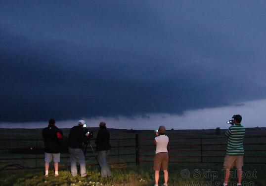 GUESTS FILMING A SUPERCELL IN OKLAHOMA