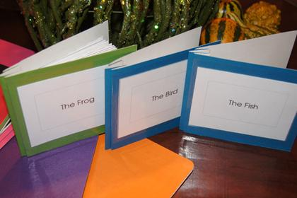 Learn how to prepare and use duo-tangs/report covers for Montessori Nomenclature - Montessori Print Shop