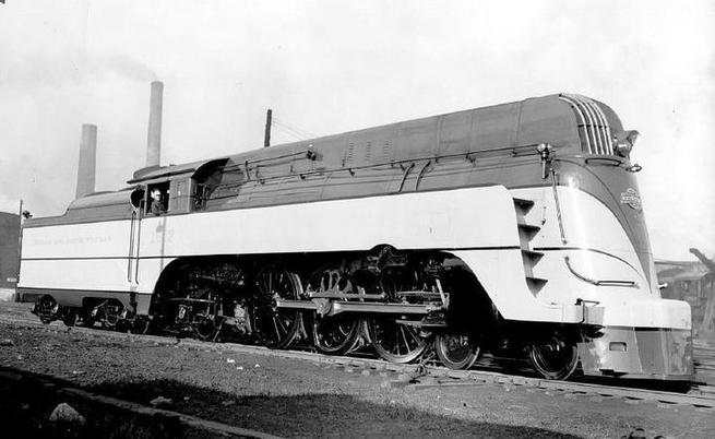 An E class Streamlined 4-6-2 Pacific of the Chicago and North Western Railway.