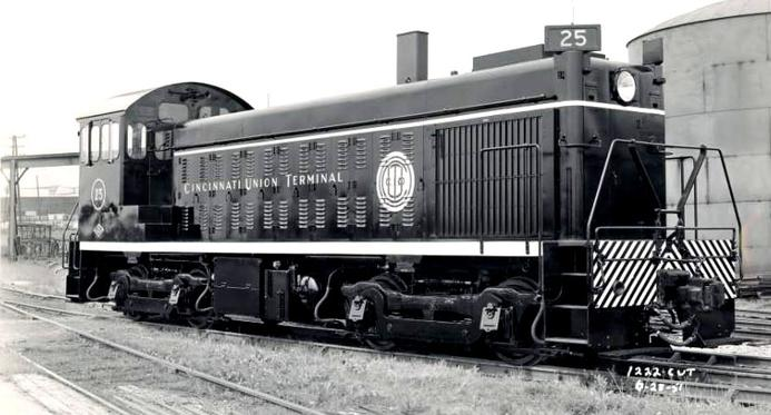 Cincinnati Union Terminal railroad number 25, a Lima LS-750.