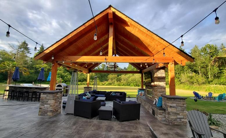 Douglas Fir Timbers and Western Red Cedar Pergola covered patio