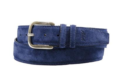 Añel Racer Belt are Handmade in Sala Consilina, a small town located in Salerno, Italy . The modern and aerodynamic design and diverse color combinations of the Añel Racer make it a truly unique, timeless, and unforgettable belts