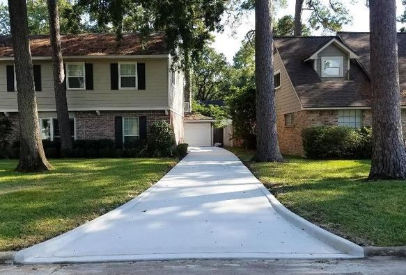 Image of driveway replacement for residential job in Houston TX