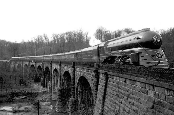 The streamlined Royal Blue at Thomas Viaduct in 1937.