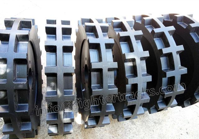 drive sprockets for rubber track