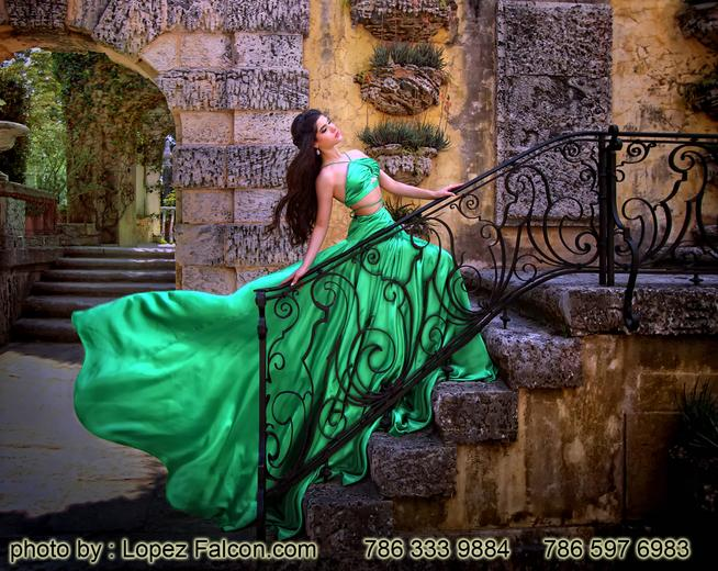 Vizcaya Miami Quinces Photography Quince Pictures Quinceanera Photography Video Dresses in Miami