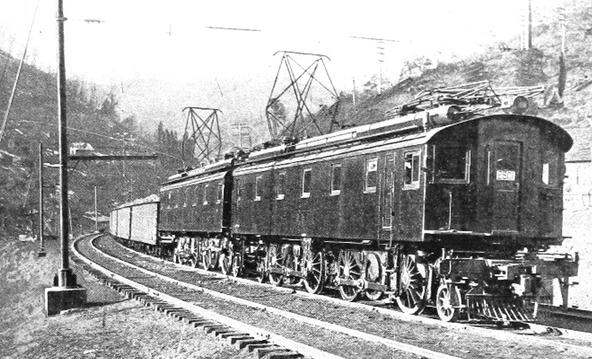 N&W LC-1 No. 2501 on the Elkhorn grade in 1915.