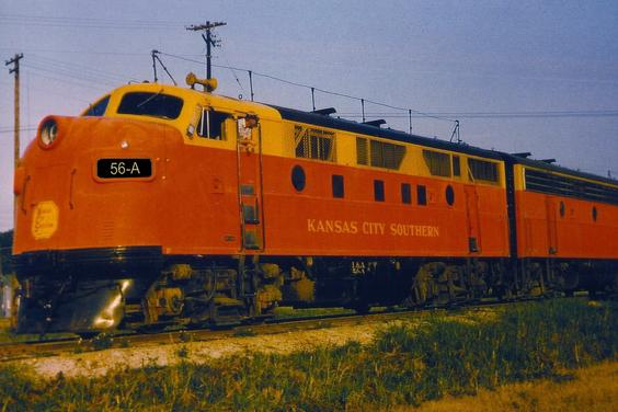 The Trainphone antenna can be clearly seen on this Louisiana & Arkansas EMD F3.