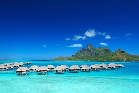 Four Seasons Resort Bora Bora: Overview of overwater bungalows