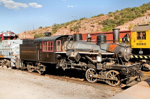 By Doug Smith from Phoenix, USA - Arizona Eastern Heisler Steam EngineUploaded by PDTillman, CC BY-SA 2.0, https://commons.wikimedia.org/w/index.php?curid=10412537
