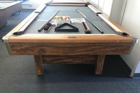 PreOwned Pool Tables - Brunswick brookstone ii pool table