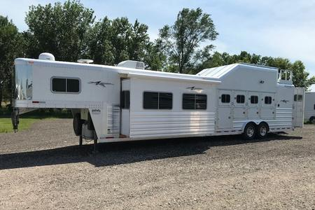 Trailers With Living Quarters And Tack Rooms For Sale