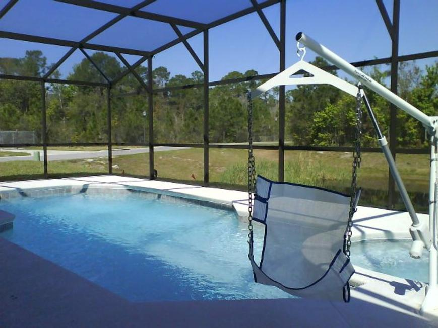 Electric Pool hoist with sling