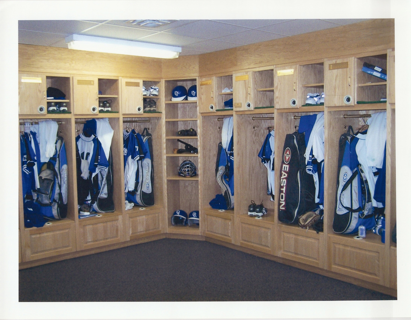 locker pre stadium now blog auction listings game baseball available tour room south img