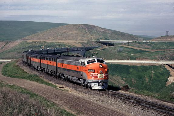 An EMD FP7 leads the California Zephyr east through Altamont Pass in 1970. Photo by Drew Jacksich.