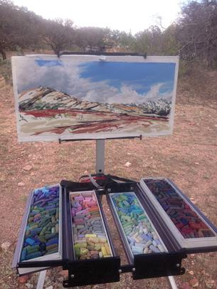 Lindy Severns uses a Soltek easel for plein air painting