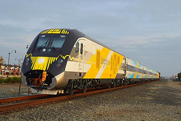A Streamlined version of the SC-44 for Brightline. The coupler in front of the locomotive is usually concealed.